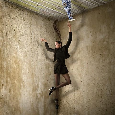 kadın moda vazo duruş çekim fotoğraf fotoğrafçı reklam fashion photoshop retouch