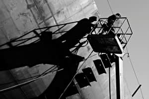 Tersane gemi vinç gölge siluet simetri siyah beyaz b&w belgesel documentary