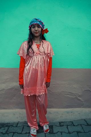 roman genç kız pijama süslü portre