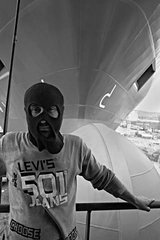 maske işçi lewis portre siyah beyaz b&w belgesel documentary