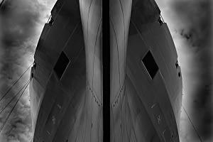 kara gemi güverte bulut bulutlu siyah beyaz b&w belgesel documentary