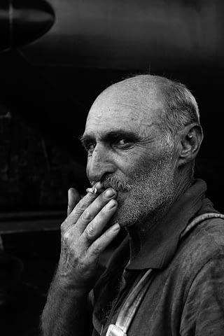 işçi sigara portre adam siyah beyaz b&w belgesel documentary