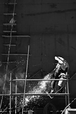 işçi kaynak taşlama iskele siyah beyaz b&w belgesel documentary