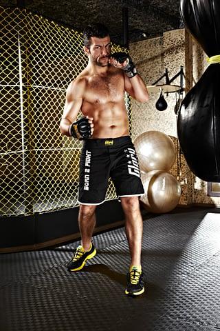dovüşçü boksör poz çekim fotoğraf fotoğrafçı reklam photoshop retouch studyo