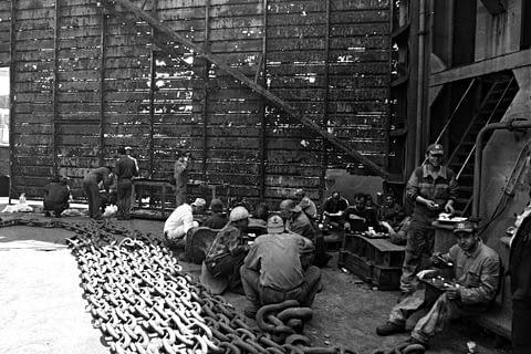 işçi yemek mola siyah beyaz b&w belgesel documentary
