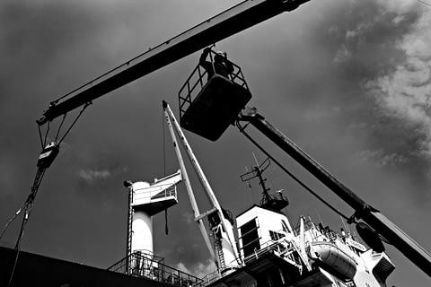 vinç tamir gemi güverte siyah beyaz b&w belgesel documentary